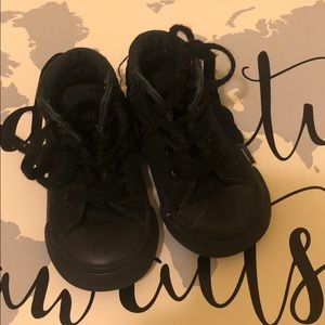 Size 5 toddler converse in black
